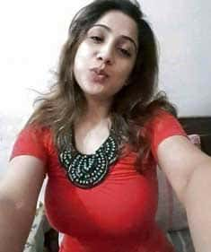 Bindiya - Amorous Personal Entertainer
