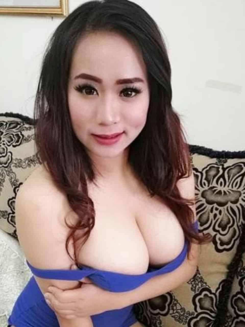 Doha escort girl Lola