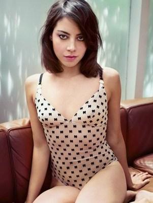 Azeero Foreign escort girl