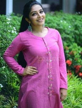 Call girl in Indiranagar inbavalli