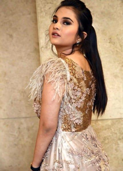 Electronic city escorts girl - Shivani