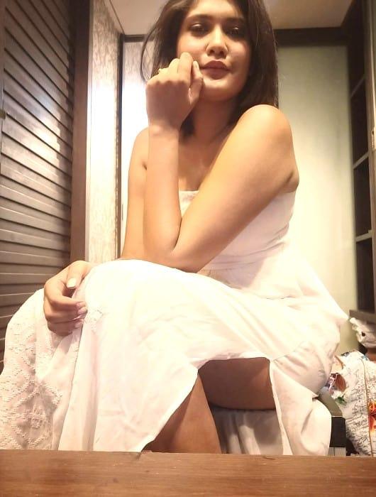 Independent escort girl - Chinmayi