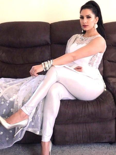 Agra escort girl - Durga