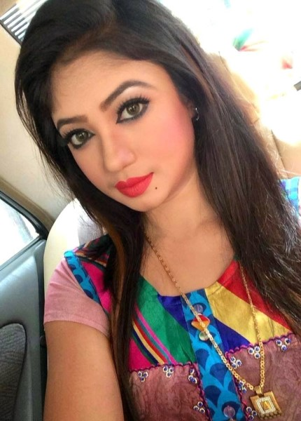 Lakshmy - beautiful call girl slefie