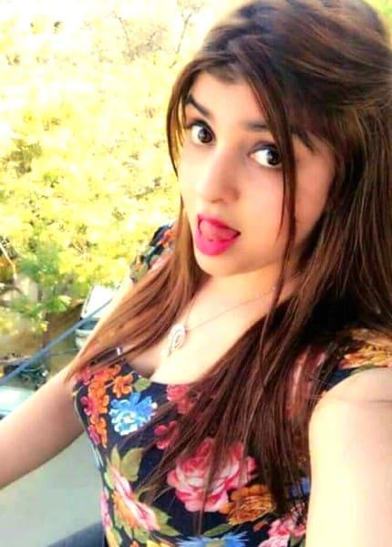 Katrina taking a selfie