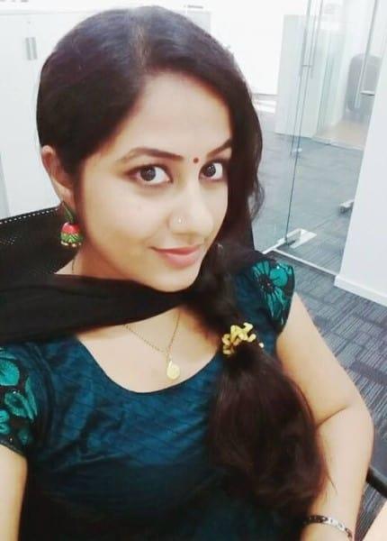 Neha - romantic look