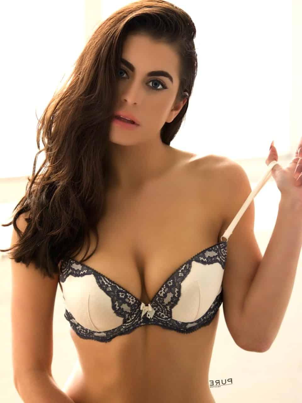 Paris escort girl - Camille