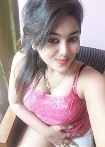 Veena taking a selfie