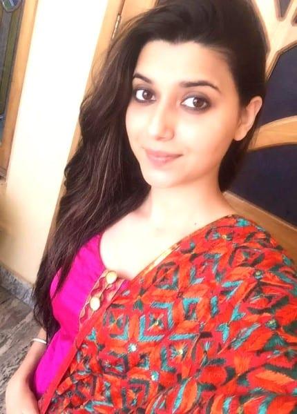 Veena - the smiling selfie