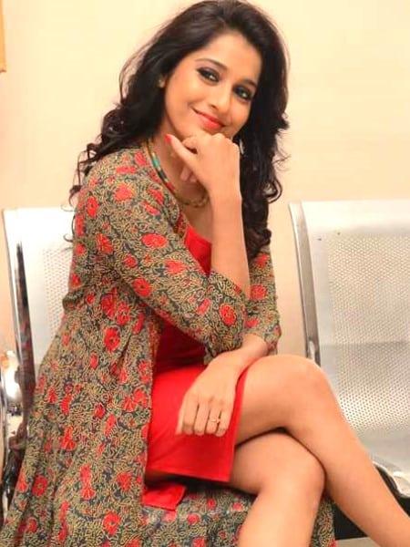 Bhopal escort girl - Camila