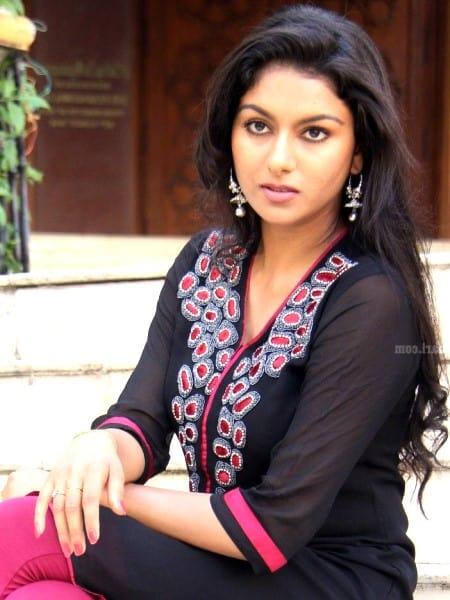 Bhopal escort girl - Evelyn