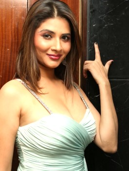 Call Girl in Richmond Town - Chitkala