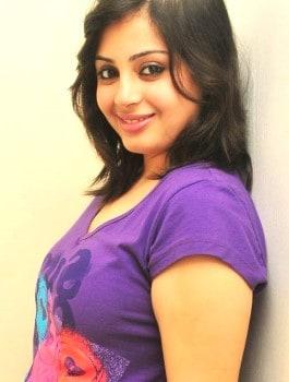 Call Girl in SadashivaNagar - Daksha
