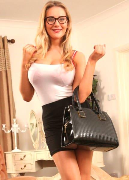 Emili - hot girl