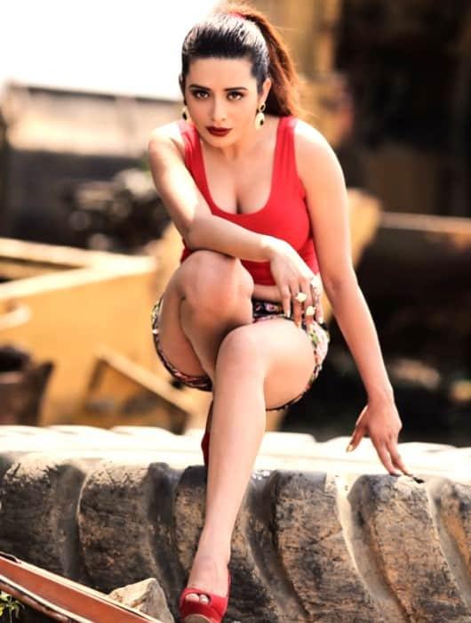 Independent escort girl - Kruthika