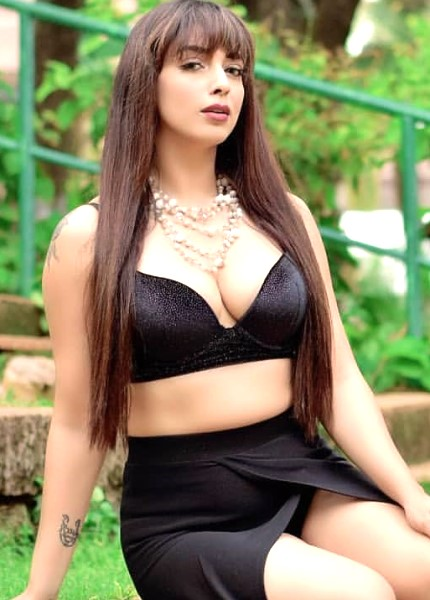 Shraddha showing her hot cleavage to clients