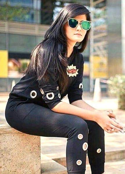 Shraddha smiling selfie photoshoot